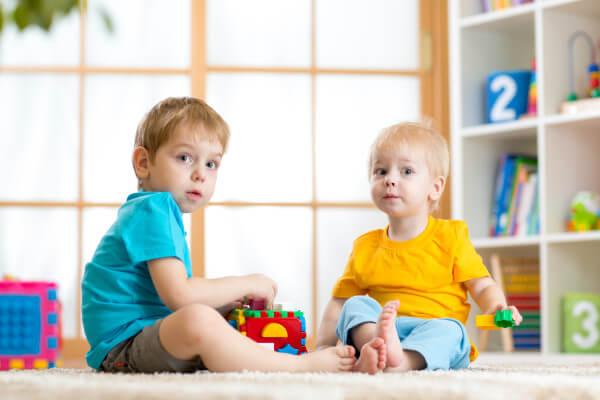 Nauka samodzielnej zabawy starszaka