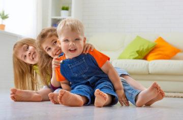 Chodzenie po schodach – Nowe wyzwanie w życiu dziecka