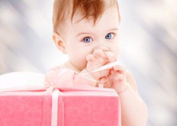 Na co zwracać uwagę, kupując prezent dla roczniaka na Dzień Dziecka?