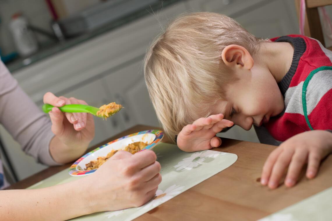 Niejadek w domu? 5 sprawdzonych sposobów jak zachęcić dziecko do jedzenia