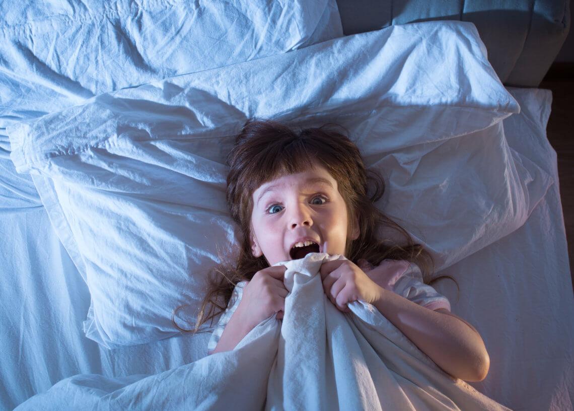 Koszmary senne i lęki nocne u dzieci – jak sobie z nimi radzić?