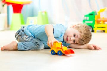 Jakie zabawki dla dzieci z autyzmem wybrać?