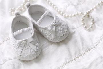 Co kupić na chrzciny dla dziewczynki i chłopca? Propozycje prezentów z okazji chrztu dziecka