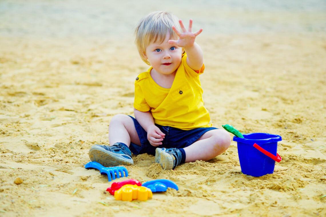 Zabawki na podwórko – jakie zabawki ogrodowe dla dzieci wybrać?