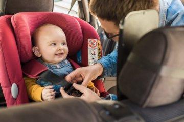 Pierwsza podróż z niemowlakiem – co warto wiedzieć?