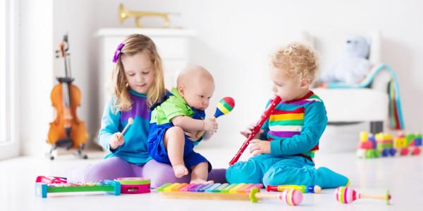 Zabawki dla małego muzyka